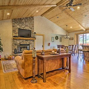 Big Bear Lake House With Mountain Views And Hot Tub! photos Exterior