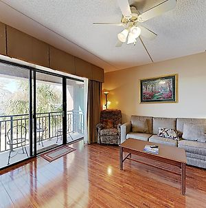 New Listing! River-View Getaway, Walkable Locale Condo photos Exterior