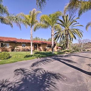 Equestrian Estate With Horse Stables And Pool! photos Exterior