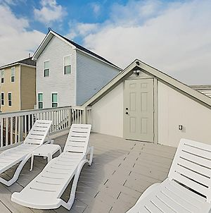 New Listing! Updated Gulf Getaway With Sundeck Home photos Exterior