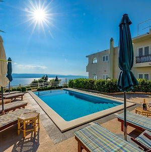 Family Friendly Apartments With A Swimming Pool Lokva Rogoznica, Omis - 11931 photos Exterior