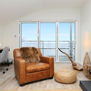 Stylish 3 Bed With Stunning Sea Views photos Exterior