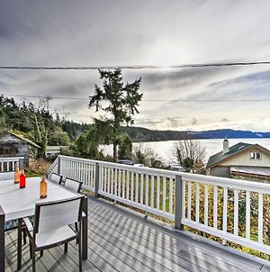 Idyllic Waterfront Cottage With Beach And Sunset Views! photos Exterior