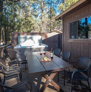 Wolves Den, 3 Bedrooms, Deck, Grill, Hot Tub, Wifi, Sleeps 6 photos Exterior