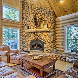 Secluded Log Cabin With Game Room And Forest Views! photos Exterior