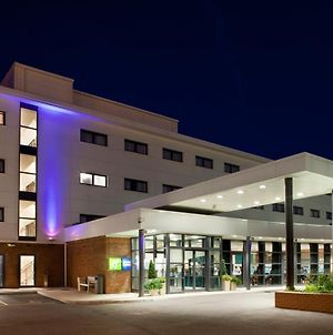 Holiday Inn Express Folkestone Channel Tunnel, An Ihg Hotel photos Exterior