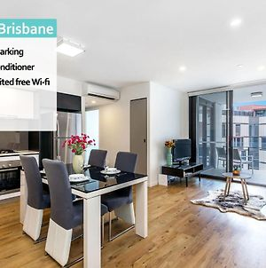 South Bne 1 Bed Parking Pool Gym In Mater Qsb218 photos Exterior
