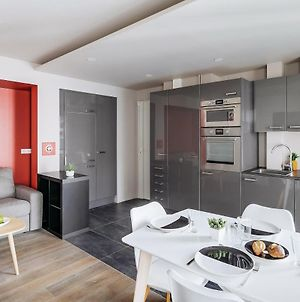 Refurbished Flat In Rue Cardinet, Sleeps 4 By Guestready photos Exterior
