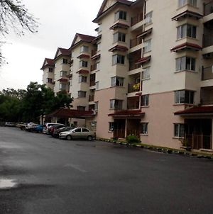 3 Bedroom Tropicana Apartment Bukit Merah Laketown photos Exterior