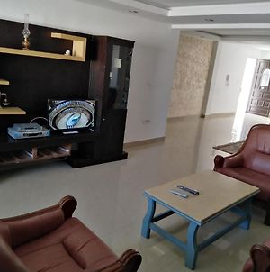 Pretty And Independent Apartment Located In Tunis City photos Exterior