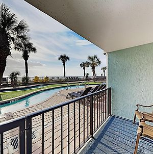 Ground-Level Oceanfront Condo W/ Pools & Hot Tubs Condo photos Exterior