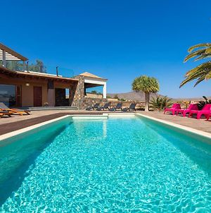 Oasis Villa With Swimming Pool In 4000M2 Garden photos Exterior
