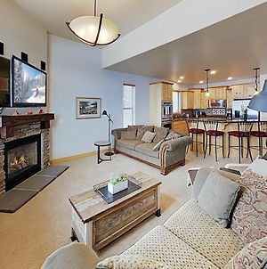 New Listing! Mountain-View Ski Home With Hot Tub Home photos Exterior