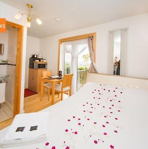 Small Double En-Suite With Stunning Views - Contactless Check-In photos Exterior