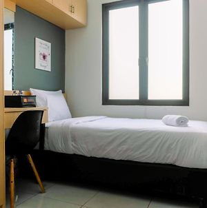 Comfortable Room At Guesthouse Galuh Mas By Travelio photos Exterior