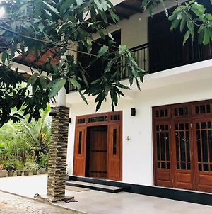Kandy Breeze Home Stay photos Exterior