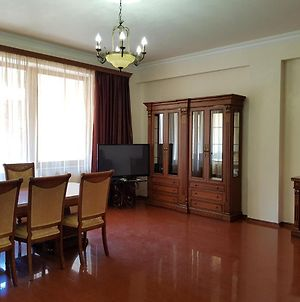 Northern Avenue 2 Bedroom Deluxe Apartment With Balcony Hh644 photos Exterior