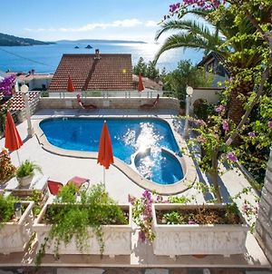 Stone Holiday Home With Pool photos Exterior