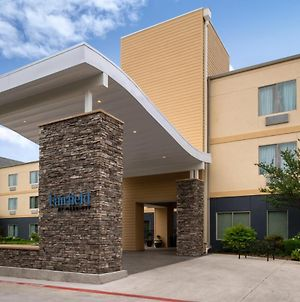 Fairfield Inn & Suites By Marriott Arlington Six Flags photos Exterior