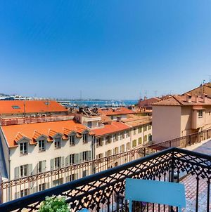 Beautiful Renovated Apartment In Cannes With View Over The Port And The Sea photos Exterior