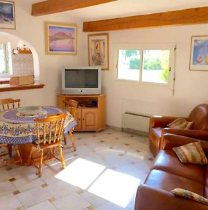 House With One Bedroom In Roquebrune Sur Argens With Shared Pool Enclosed Garden And Wifi photos Exterior