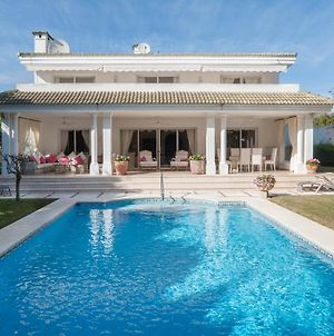Cozy 4 Bedroom Villa In Los Monteros Beach, Marbella photos Exterior