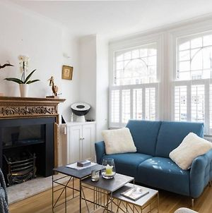 Fabulous 4 Bed House In Fulham With Garden photos Exterior