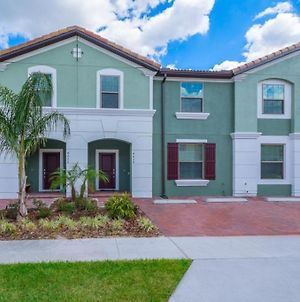 Luxurious 5 Bed Home With Private Pool In Solterra Townhouse photos Exterior