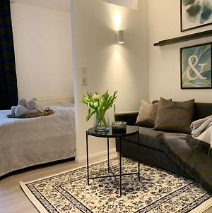Stylish, Central Located Apartment With Wifi And Tv photos Exterior