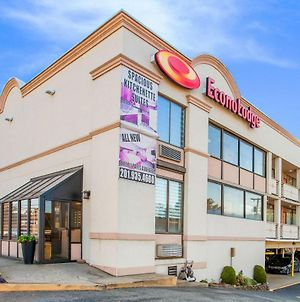 Econo Lodge Meadowlands At American Dream photos Exterior