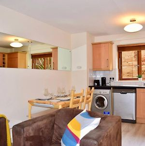 Spacious And Bright 2 Bedroom Apartment In Dublin 2 Vr photos Exterior