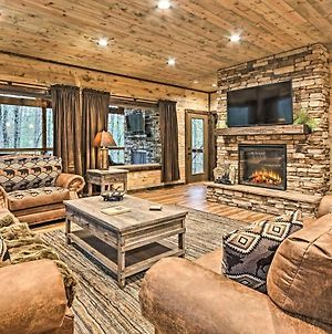 Lavish Residence With Indoor Pool Near Pigeon Forge! photos Exterior