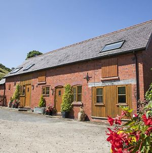 2 Bed Llangollen Cottage - Sleeps 4 photos Exterior