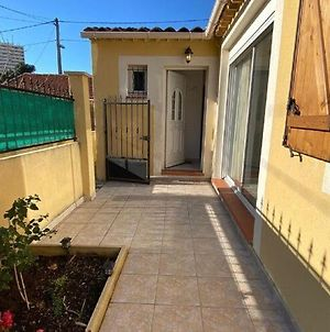 Lovely Holiday Home In Marseille With Balcony photos Exterior