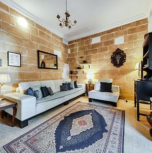 Central Traditional 2 Bedroom Town House, Cospicua photos Exterior
