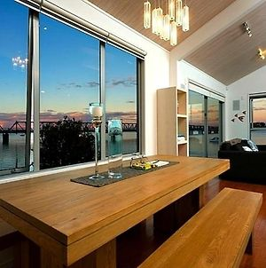 The Boatshed - Harbourfront Tauranga Holiday Apartment photos Exterior