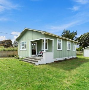 The Beach House - Kapiti Coast Holiday Home photos Exterior
