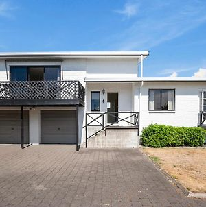Freshwater Lookout - Taupo Central Holiday Home photos Exterior