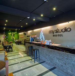 My Studio Hotel Juanda Airport - Hostel photos Exterior