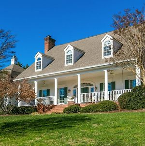 Hart House- A Luxurious Asheville Vacation Country Home! Home photos Exterior
