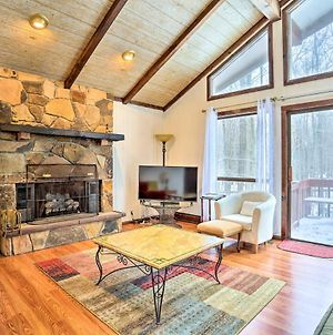 Luxe Poconos Cabin With Pool Access 25 Min To Skiing photos Exterior
