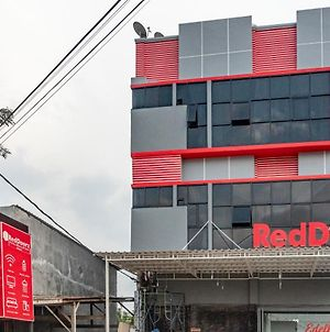 Reddoorz Plus Near Millenium Ict Centre Medan 2 photos Exterior