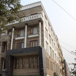 Zen Suites - A Unit Of Crown Imperial ,Delhi photos Exterior