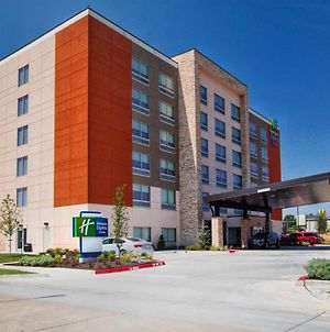 Holiday Inn Express & Suites Moore, An Ihg Hotel photos Exterior