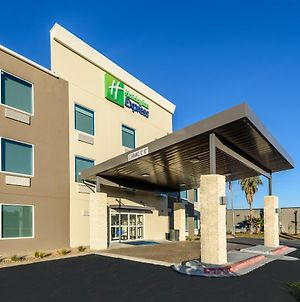 Holiday Inn Express Hotel And Suites Bastrop photos Exterior