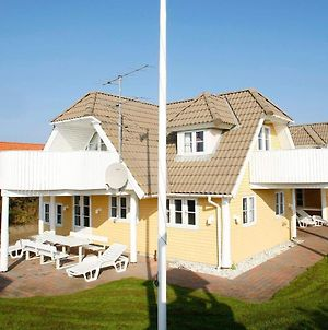 Four Bedroom Holiday Home In Blavand 28 photos Exterior