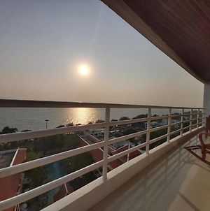 Condominum In Jomtien Beach With Sea View, Balcony And Free Wifi photos Exterior