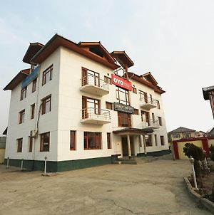 Oyo 15858 Hotel Grand Comforts photos Exterior