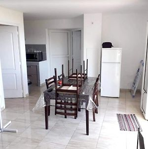Apartment With One Bedroom In Saintdenis With Wonderful Sea View Furnished Balcony And Wifi photos Exterior