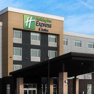 Holiday Inn Express & Suites - West Edmonton-Mall Area, An Ihg Hotel photos Exterior